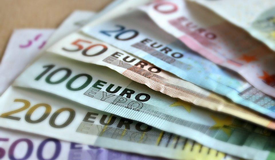 Семейная чета из Германии через суд вернула конфискованные на белорусской таможне 9000 евро