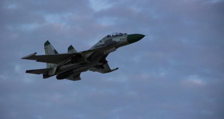 В Барановичах испытали первый отремонтированный для Анголы истребитель Су-30К