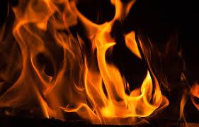 В Молодечно спасатели вынесли из горящего общежития пятерых детей