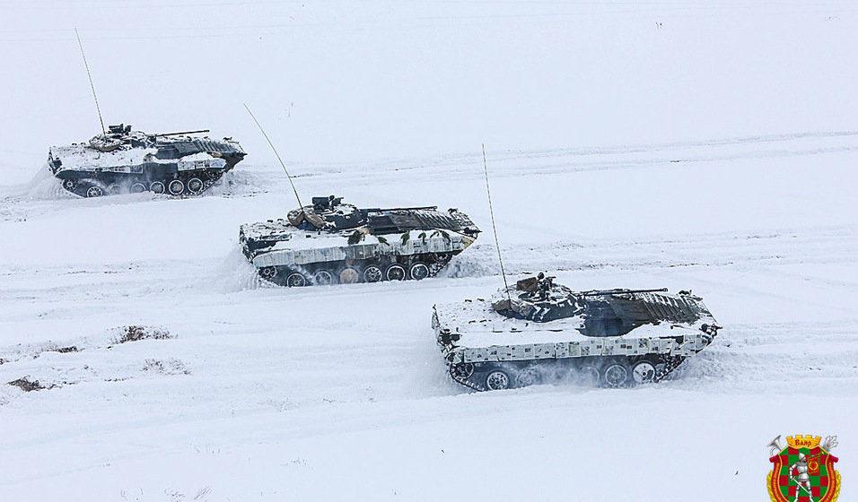 Белорусские военные придумали оригинальный камуфляж для боевых машин