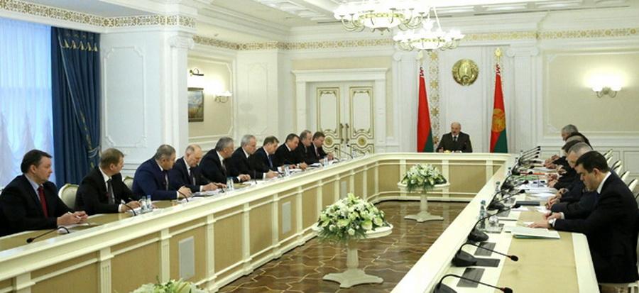 Лукашенко: Майдана в Беларуси не будет, нам надо, как изюм из булки, повыковыривать провокаторов