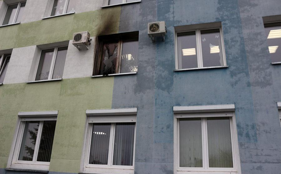 В здание Гомельской налоговой инспекции бросили коктейль Молотова