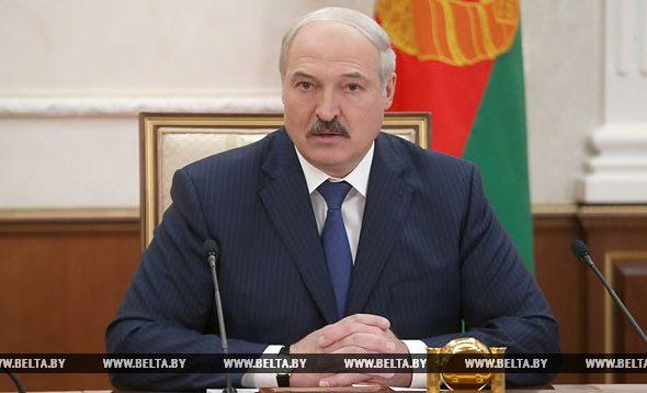 Лукашенко: Мы буквально в эти часы задержали пару десятков боевиков, которые готовили провокацию с оружием