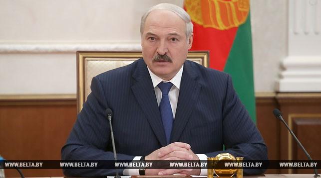 Лукашенко взял под жесткий контроль ситуацию вокруг гибели солдата в Печах