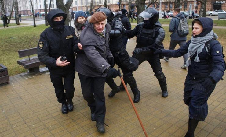 США призывают Минск освободить всех задержанных мирных демонстрантов