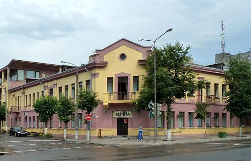 У барановичской гостиницы «Комсомольская» – новое название