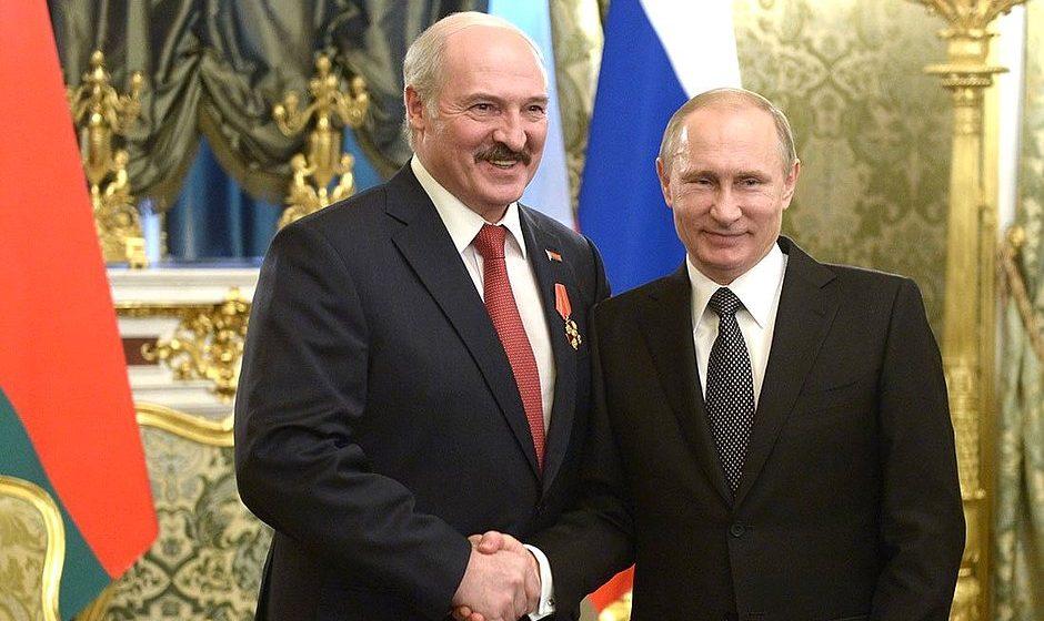 «Эхо Москвы» поинтересовалось у слушателей, кто должен возглавить Союзное государство: Лукашенко или Путин