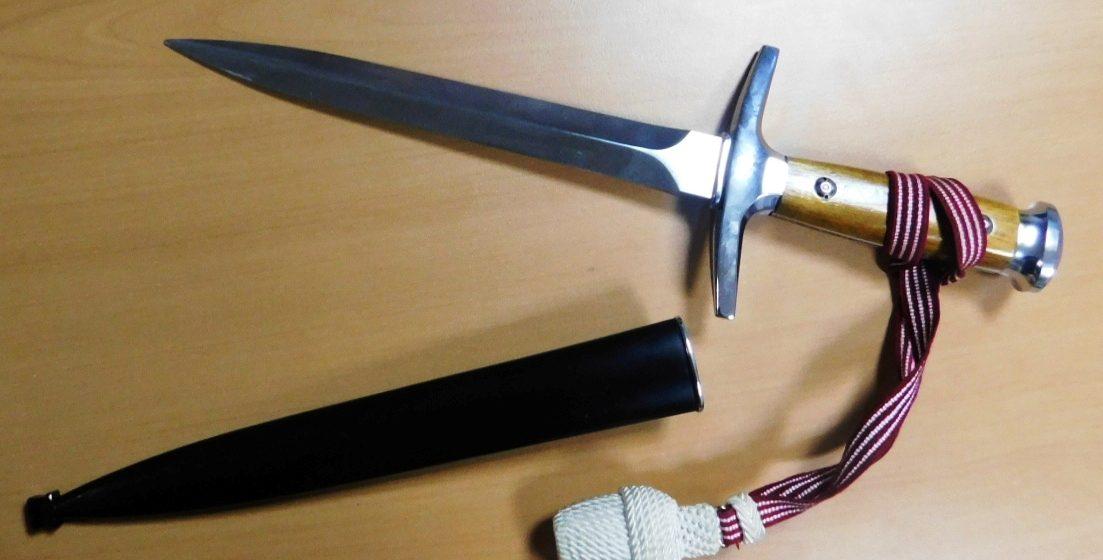 Белорусские таможенники пресекли ввоз из Польши штык-ножей и кортика