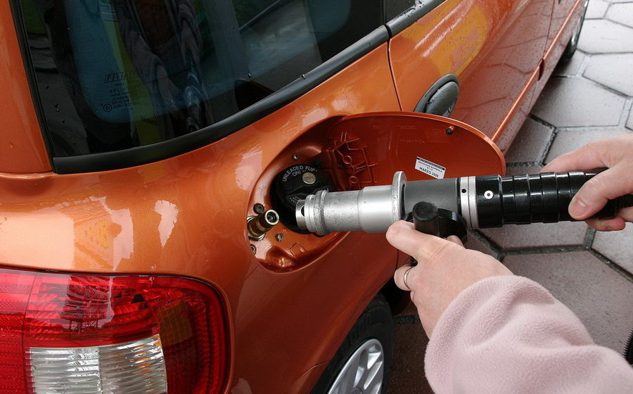 В Беларуси отменили запрет на заправку метаном VW Passat, Touran и Caddy