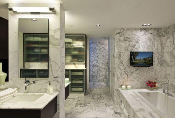 Мраморная облицовка ванной комнаты