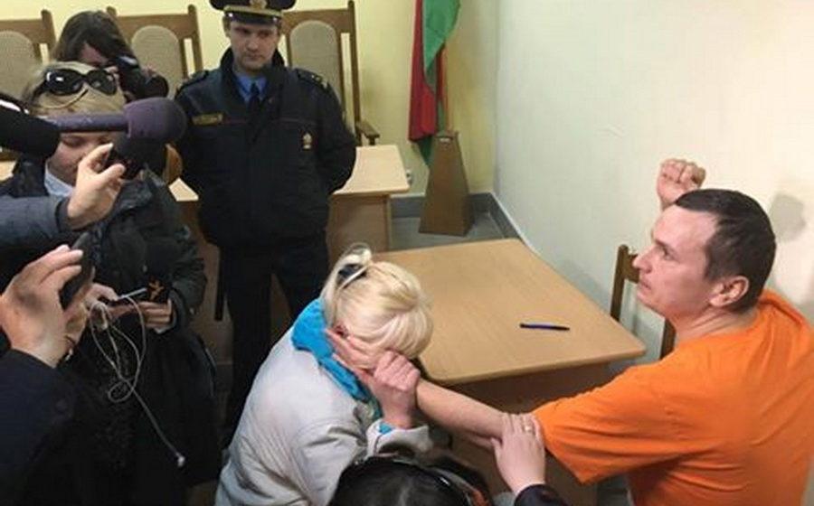 За участие в митинге нетунеядцев блогера Филиповича осудили еще на пять суток ареста