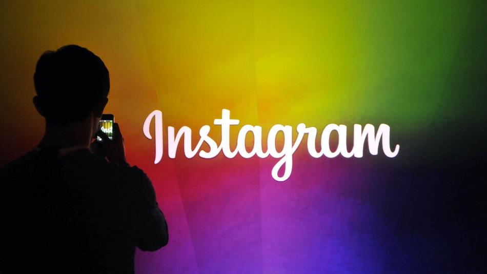 Instagram добавил новые функции —  можно делиться фото друзей, создавать закрытые группы и добавлять гифки в сообщения