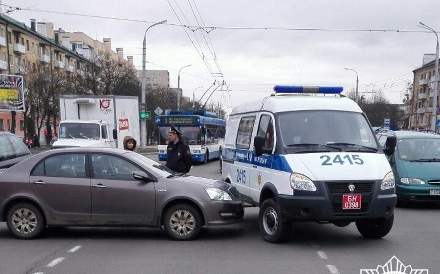 В Бресте произошло ДТП с участием милицейского автомобиля (видео)