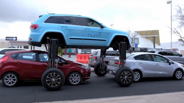 В сети появилось видео с необычным джипом, способным проезжать над автомобильными пробками