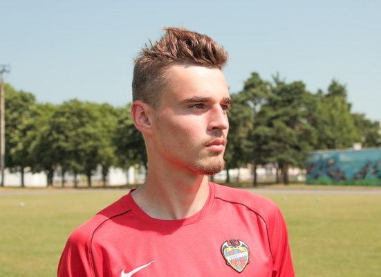 Отец барановичского футболиста рассказал о своем сыне, который стал играть за испанскую «Леванту»