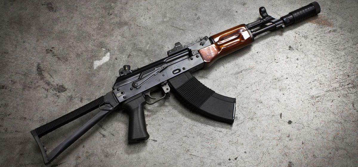 В Гродно два парня стреляли из автомата рядом с университетом