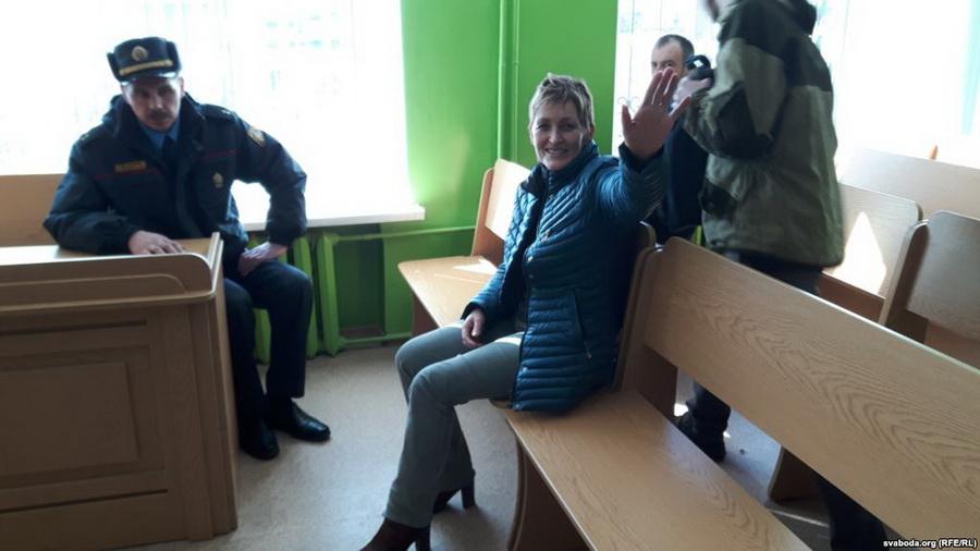 Журналистку Галину Абакунчик оштрафовали на 575 рублей за освещение митинга в Орше