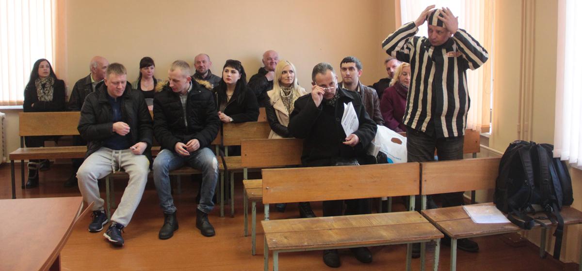 В Барановичах отложили суд над участниками митинга против Декрета №3