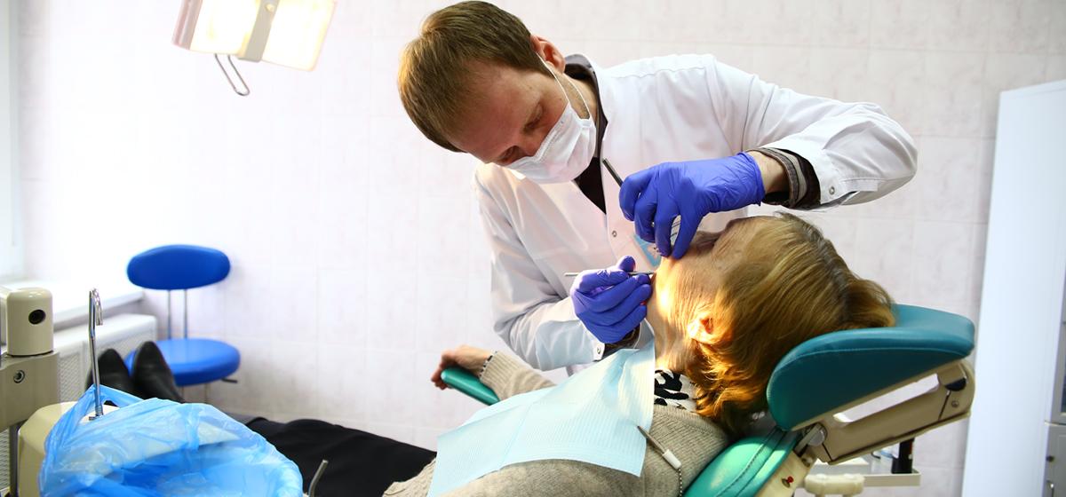 Барановичский стоматолог: Некоторых пациентов уговариваем, как маленьких