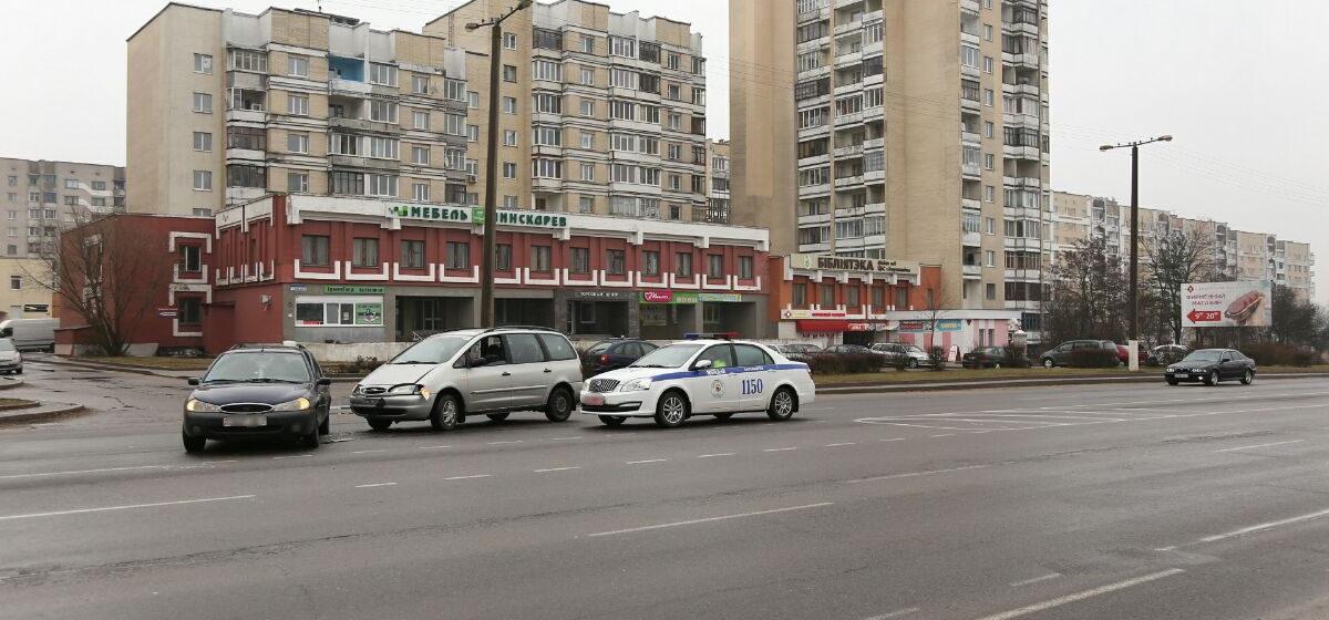 В Барановичах на проспекте Советском столкнулись два автомобиля