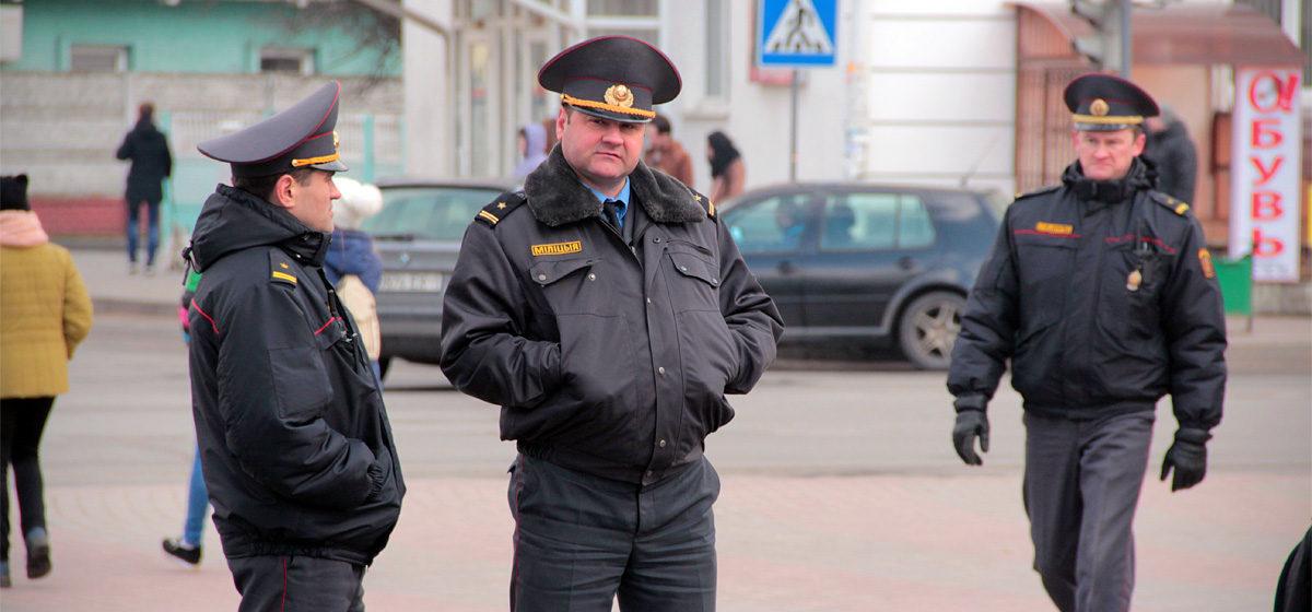 В центре Барановичей 26 марта милиция задерживала и увозила людей в ГОВД