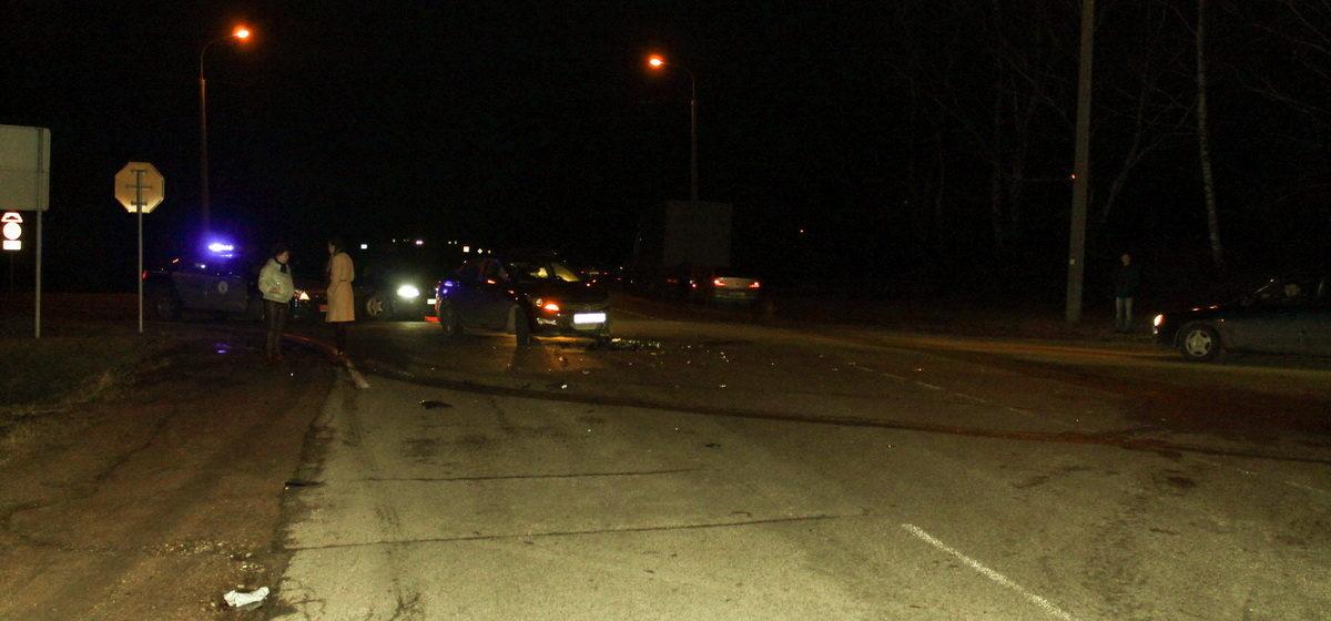 На Колпеницком перекрестке в Барановичах легковой автомобиль не пропустил грузовик