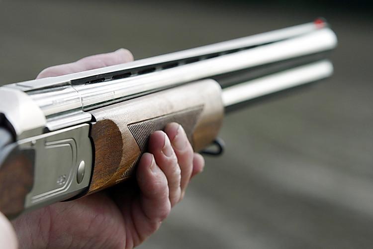 Браконьер из Барановичей при задержании выстрелил из ружья и пытался скрыться на авто