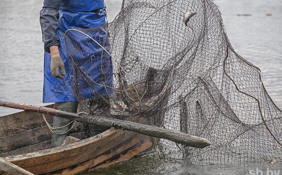 На Гомельщине из-за одной «лишней» рыбки против двух рыбаков возбудили уголовное дело