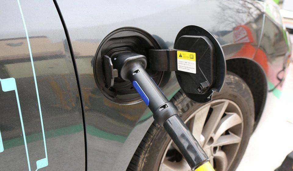В 2017 году «Белоруснефть» создаст 10 станций для зарядки электромобилей