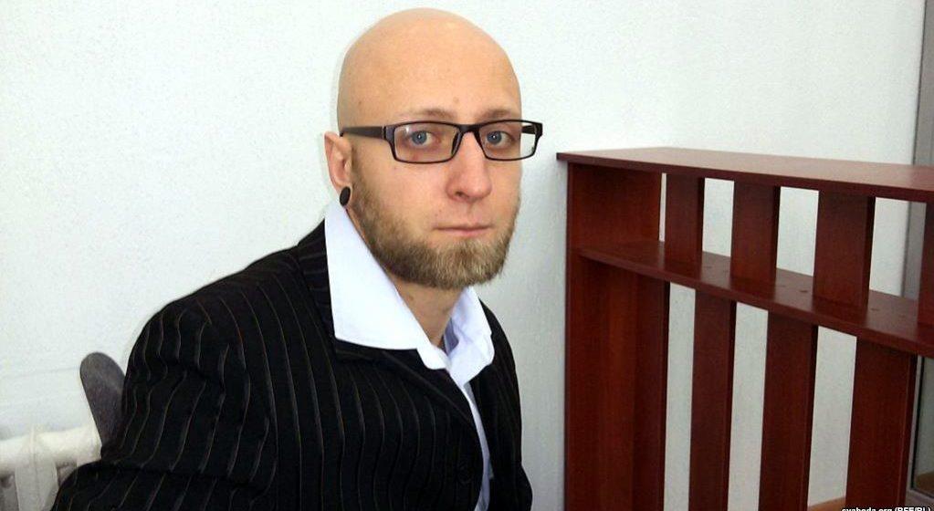 В Минске возбудили уголовное дело против анархиста, накинувшего петлю на памятник минскому городовому