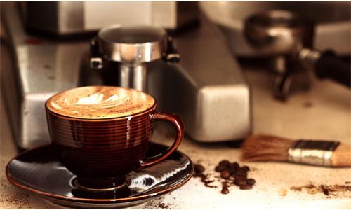 Как варить кофе: в капсульной или обычной кофеварке?