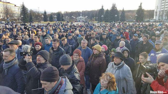 В Молодечно на «марш нетунеядцев» вышли 1000 человек, брутально задержаны Лебедько, Рымашевский и журналист БелаПАН
