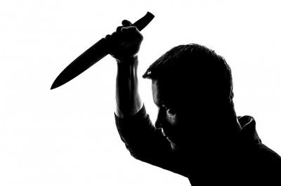 В Ляховичском районе мужчина убил 22-летнего сына своей сожительницы