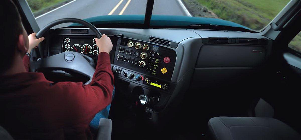 Барановичский дальнобойщик –  о сне за рулем, грабежах на трассе и придорожных проститутках
