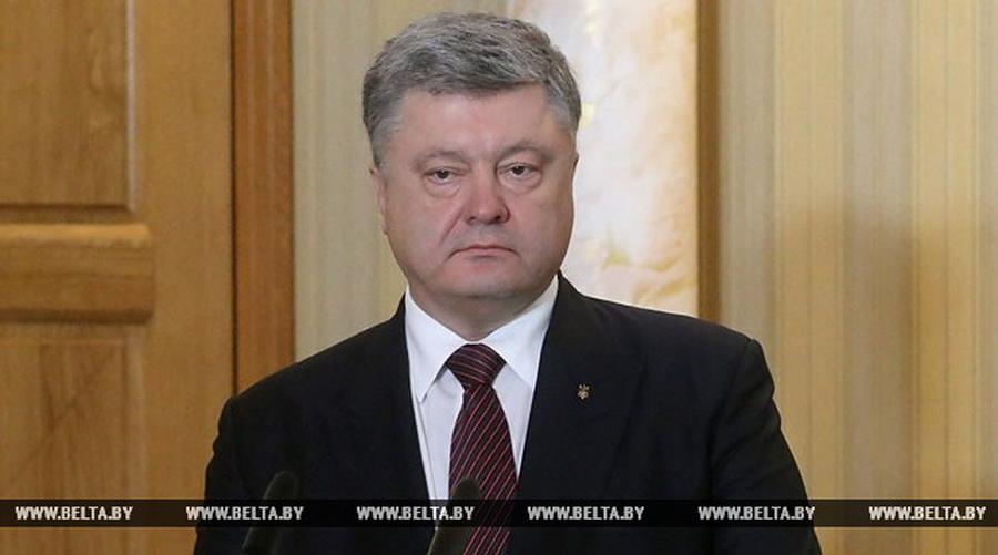 Порошенко пригласил Лукашенко совершить летом официальный визит в Украину