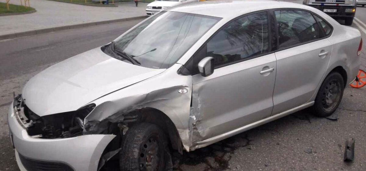 В Гродно два Volkswagen не поделили дорогу, у каждого водителя своя правда (видео)