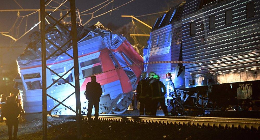 Барановичские железнодорожники о том, какие ошибки совершил машинист электрички, столкнувшейся с поездом в Москве