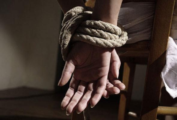 На Гомельщине мужчина захватил заложника, милиция штурмовала жилой дом