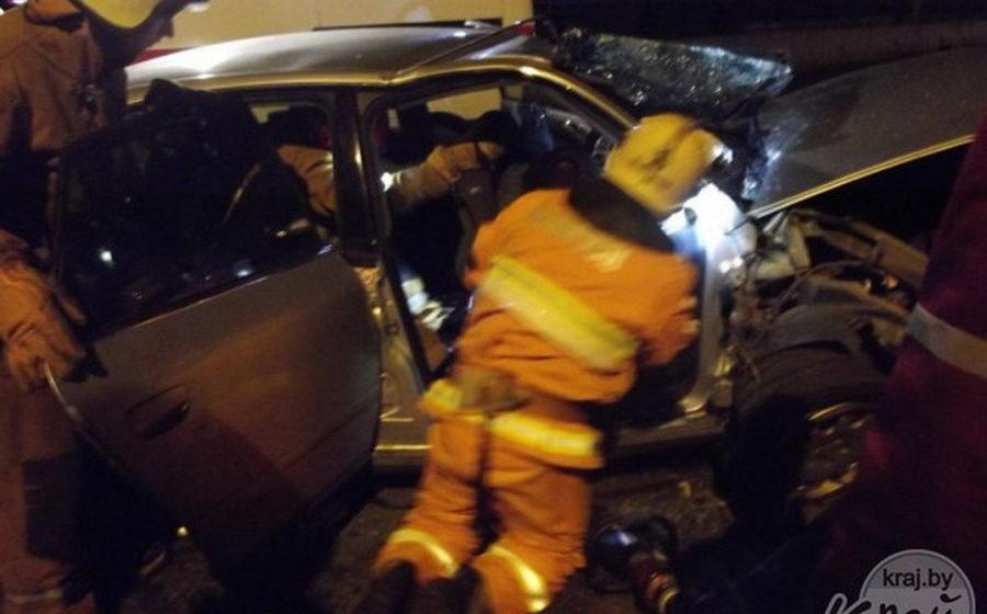 В Молодечно Audi A6 врезался в отбойник – один человек погиб, трое пострадали