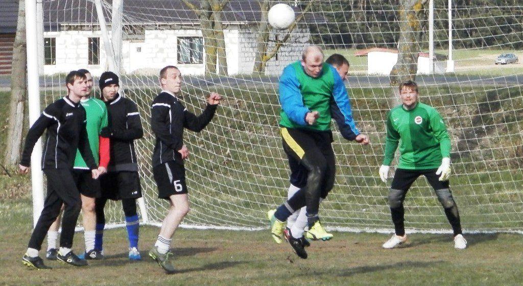 В Барановичах стартовал VIII сезон Любительской футбольной лиги