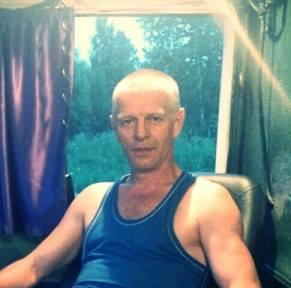 Брат пострадавшего во время теракта в Питере белоруса: Уже ходит, просил к нему не приезжать