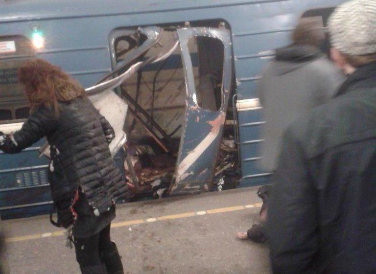 В Санкт-Петербурге на перегоне между станциями метро прогремел взрыв