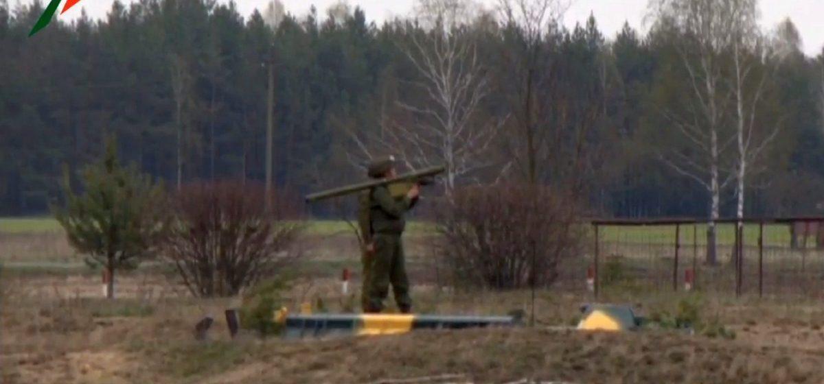 Прямая трансляция: боевые пуски зенитных ракетных комплексов под Барановичами