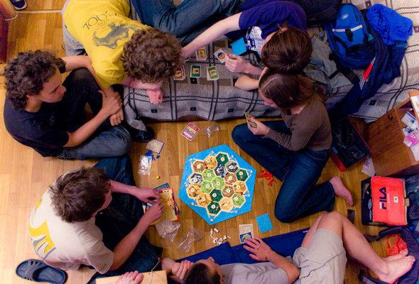 Карты UNO – веселая забава для большой дружной компании