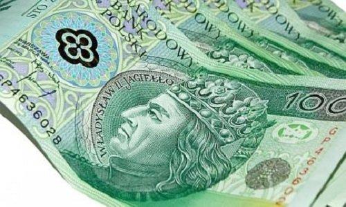 В Польше средняя зарплата увеличилась до 1068 евро