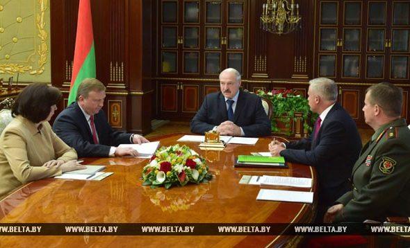 Лукашенко: Средств на парад в День Независимости жалеть не надо