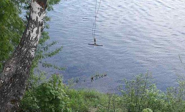 В Березинском районе, катаясь на тарзанке, погиб 13-летний мальчик