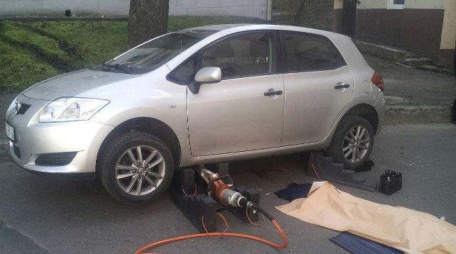 В Витебске автомобиль без водителя насмерть сбил пенсионерку