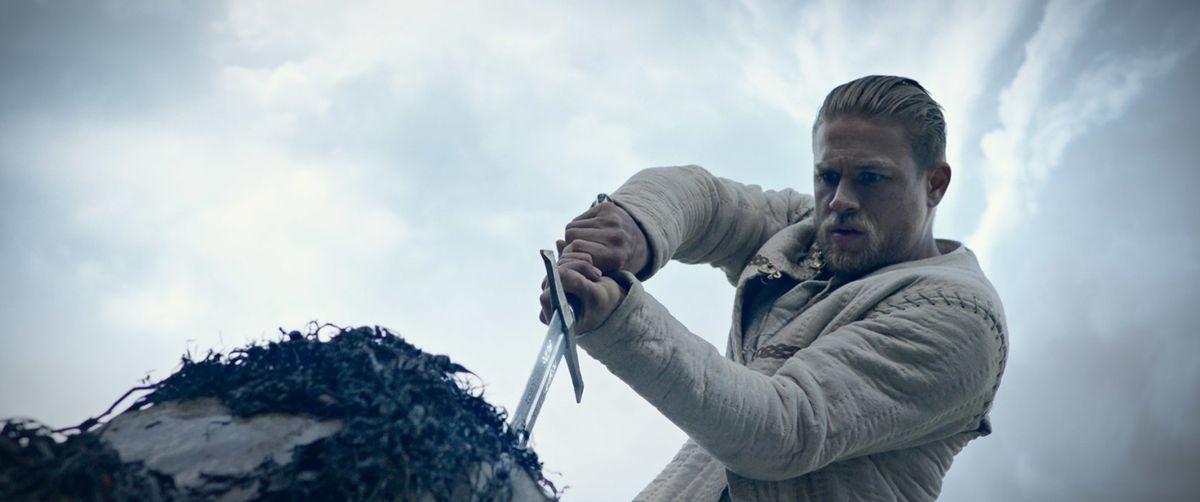 Фильм, на который стоит сходить: «Меч короля Артура»
