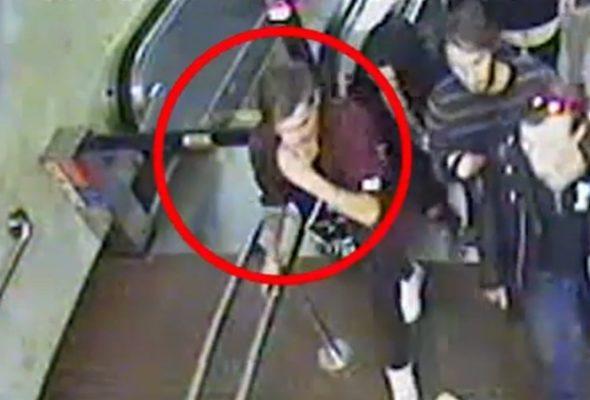 Почему милиция жестко задержала парня в метро – появился ролик с видеокамер + версия МВД